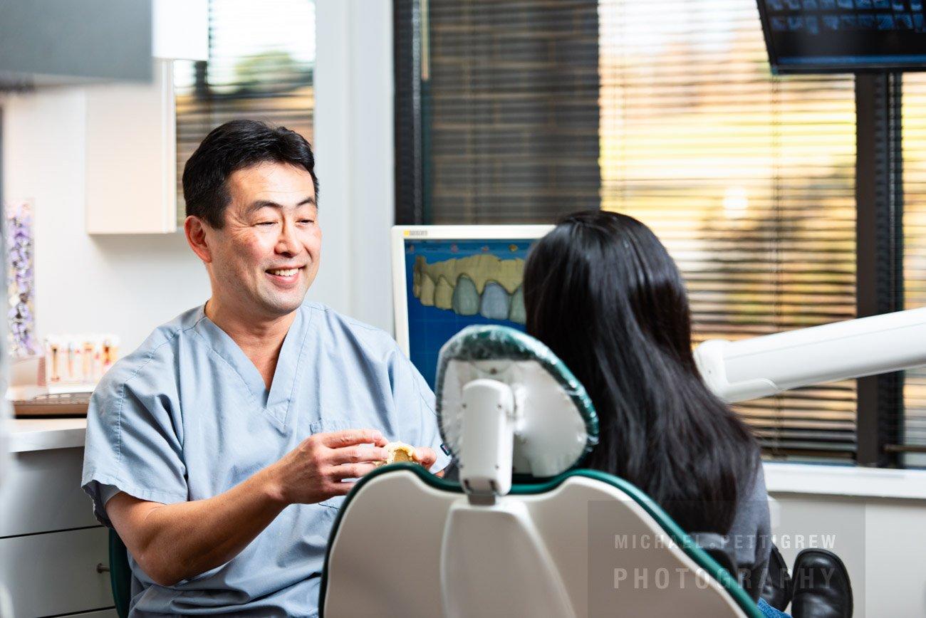 Photo session dentist with patient in Reston VA